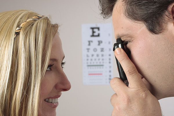 optometrist - eye exam